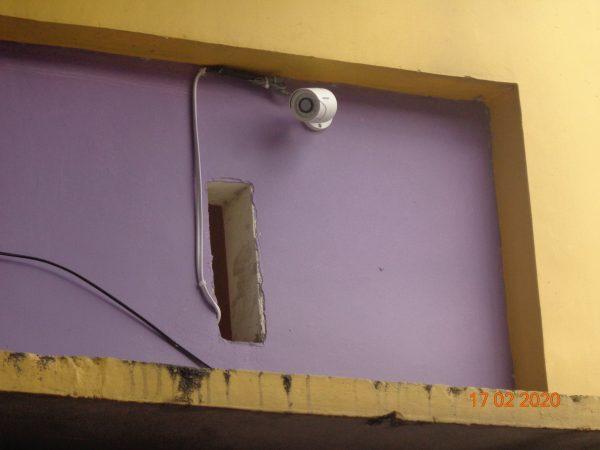 Memanfaatkan CCTV untuk membantu pengawasan keadaan di lingkungan sekolah
